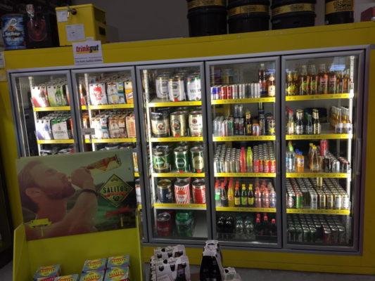 Bier im Kühlregal trinkgut Getränkemarkt Lippstadt